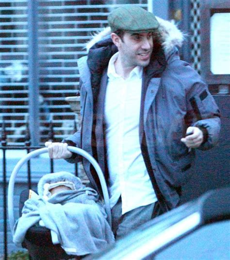 Pictures of Sacha Baron Cohen and Isla Fisher Dining With