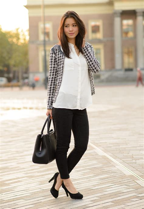 Outfit: Office chic, white blouse & black pants | The