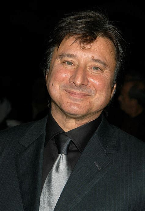 Former Journey Frontman Steve Perry Reveals Cancer Surgery
